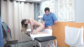 Oiled blonde finishes her massage with a happy end