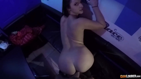 The club lead a young girl a POV bang session